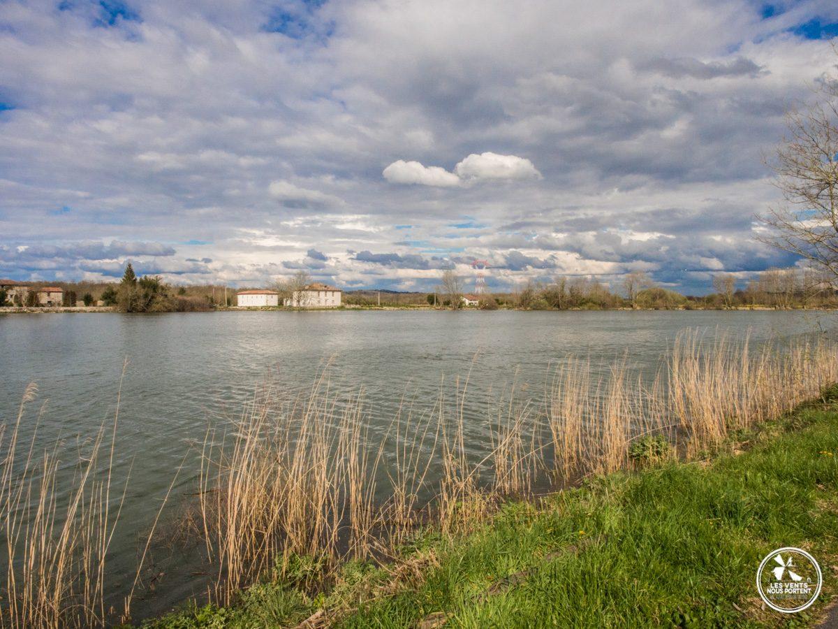 Sur les rives de l'amour à Urt, Pays Basque