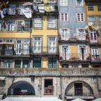 facade coloree sur la ribeira a porto voyage portugal