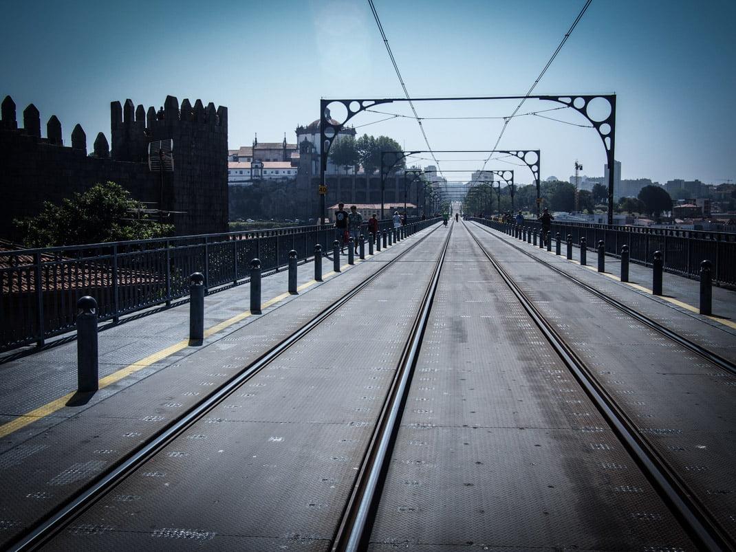 sur le pont dom luis a porto voyage portugal