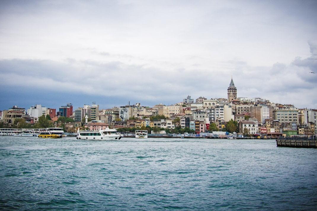 vue quartier galata depuis eminonu istanbul voyage turquie