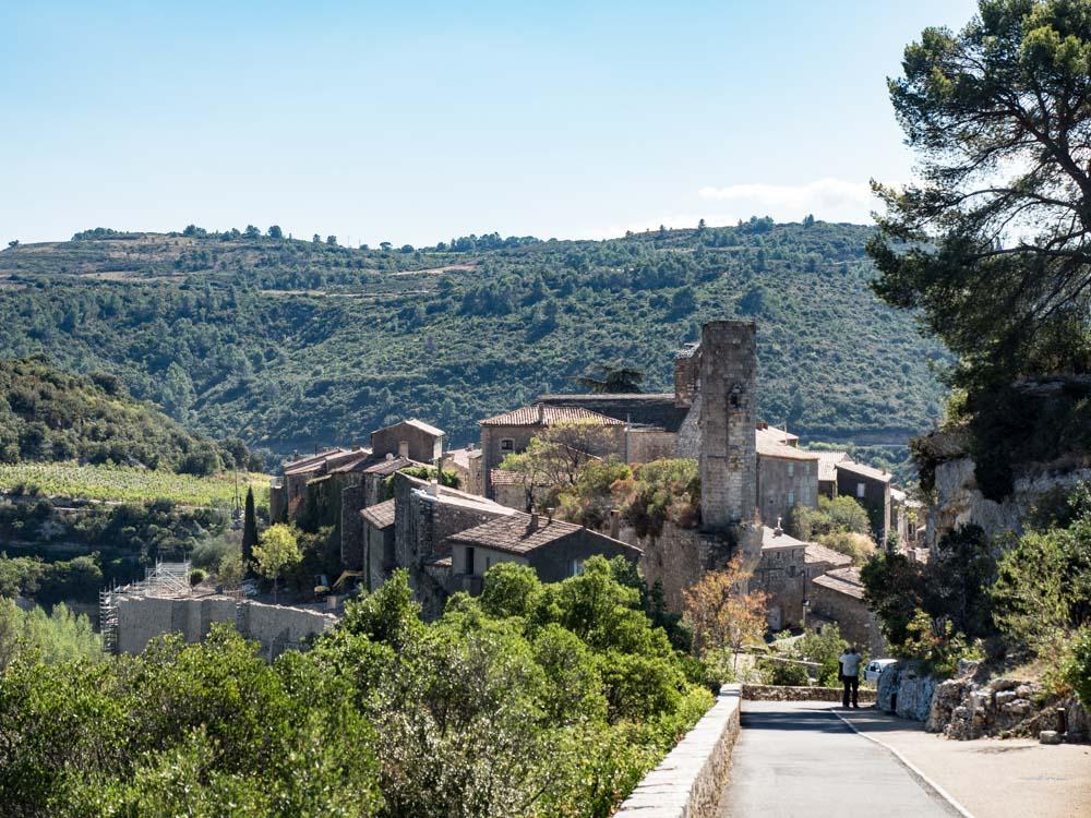 arrivée à minerve un des plus beaux villages de france