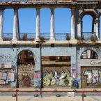 ruines sur le port de valparaiso au chili
